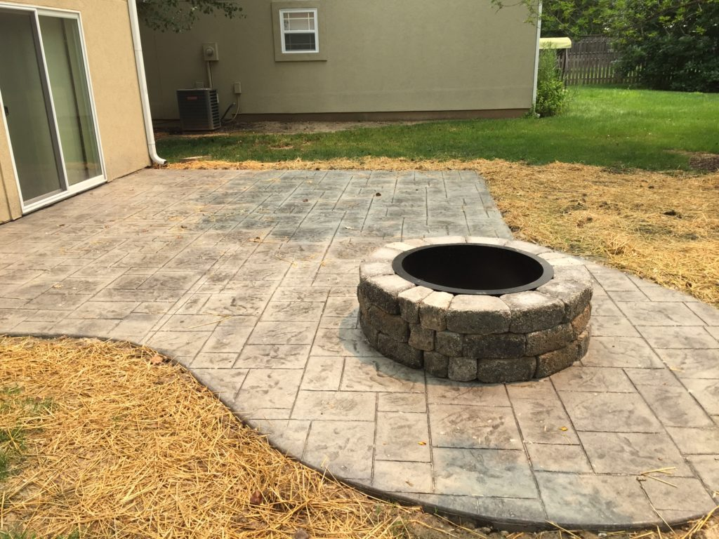 Concrete Work With Curbstone